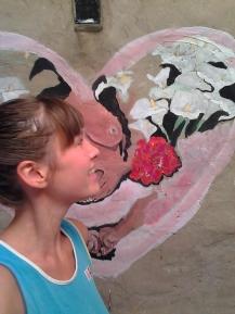 josefina dende con su mural
